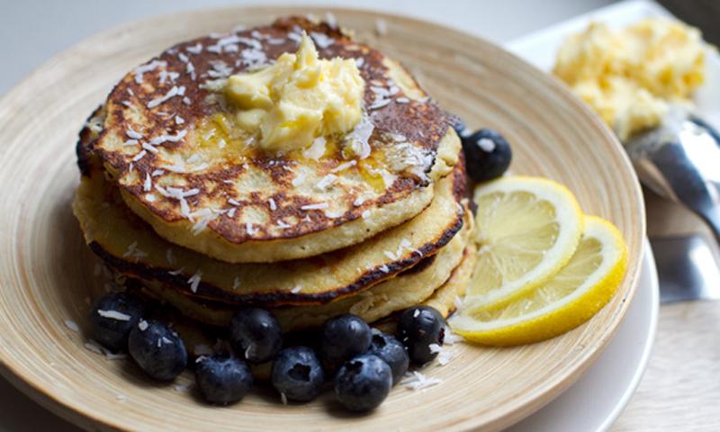 Coconut Banana Pancakes [Vegetarian] [Paleo]