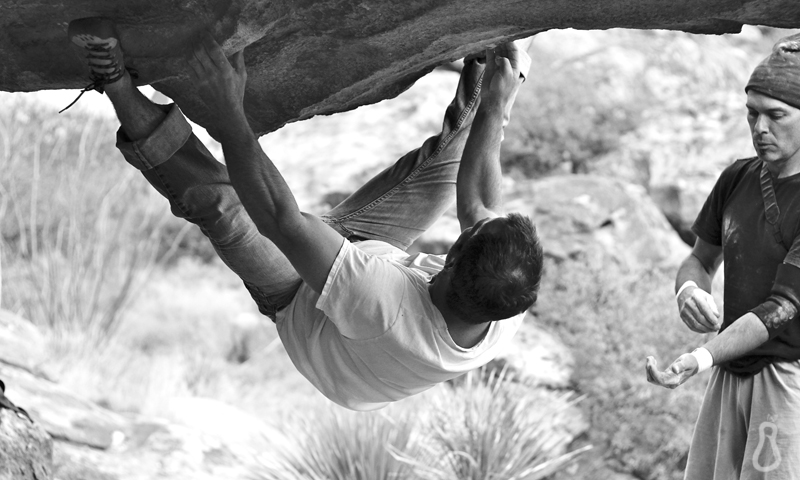How to Warm Up for Bouldering